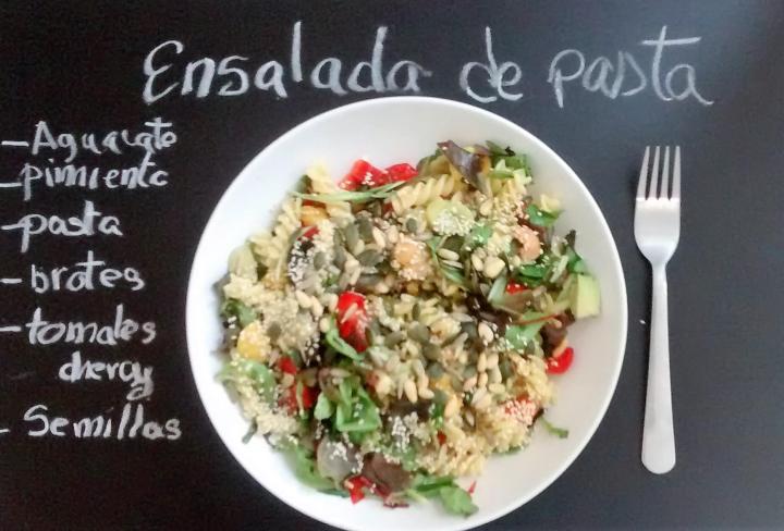 ensalada-pasta-semillas-healthy-tasty-umami