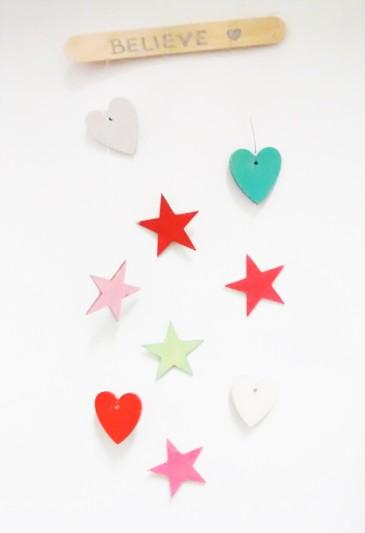 mobil-corazones-estrellas